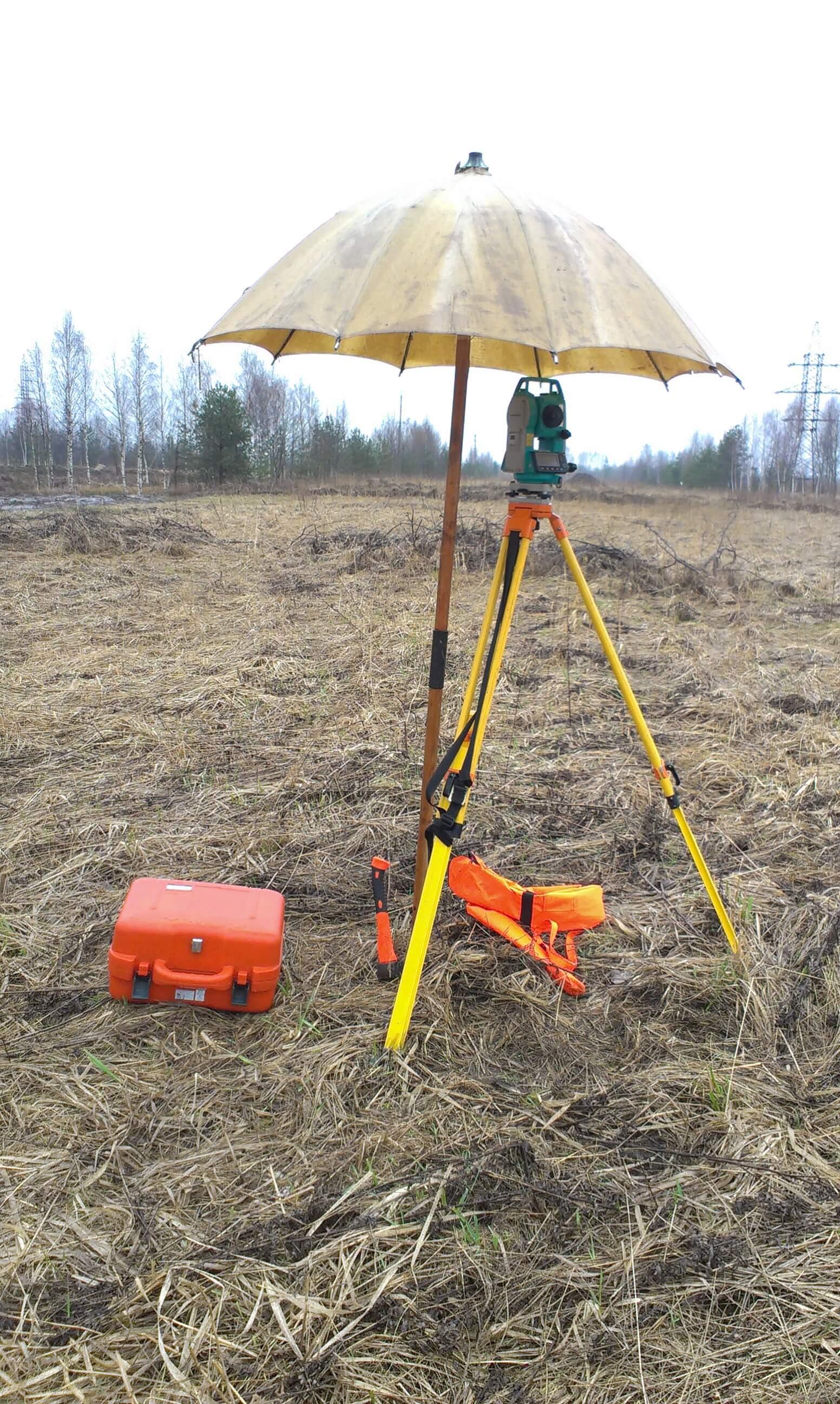 Плохая погода и дождь топографические и геодезические работы